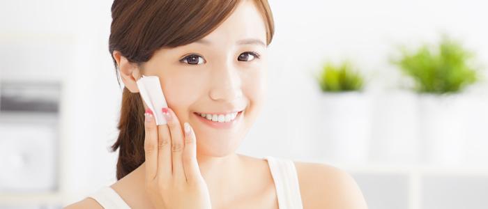 化粧水はコットンでつけるべき?そのメリットとは